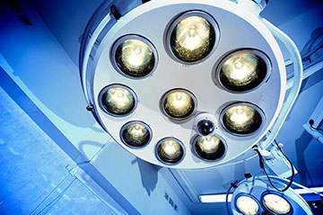 Operating room lights for back surgery